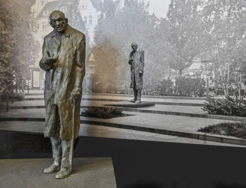 Odsłonięcie pomnika profesora W. Bartoszewskiego 4 czerwca 2020 r.